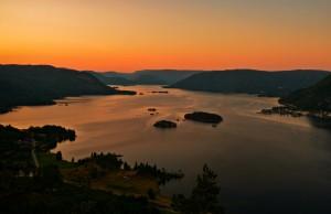 Kveld over Byglandsfjorden. Geir Daasvatn.u.